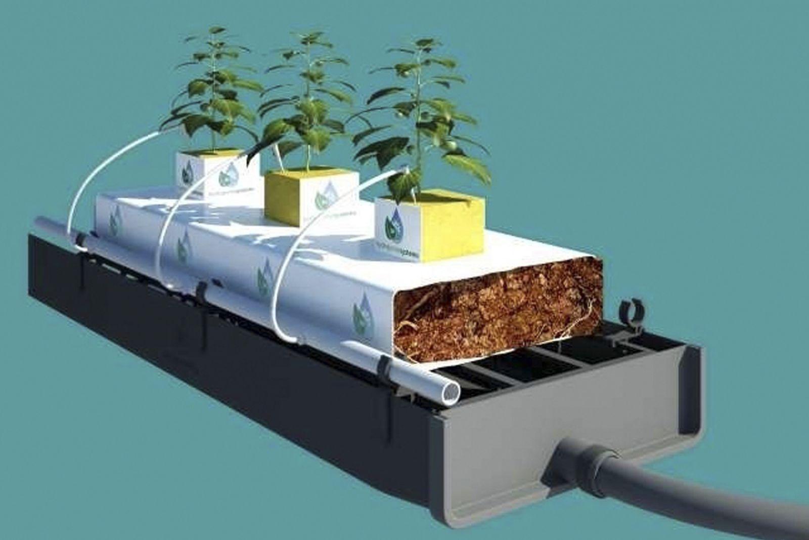 Zber drenážnej vody z/do PVC potrubia/kanalizácie pre skleník alebo fóliovník
